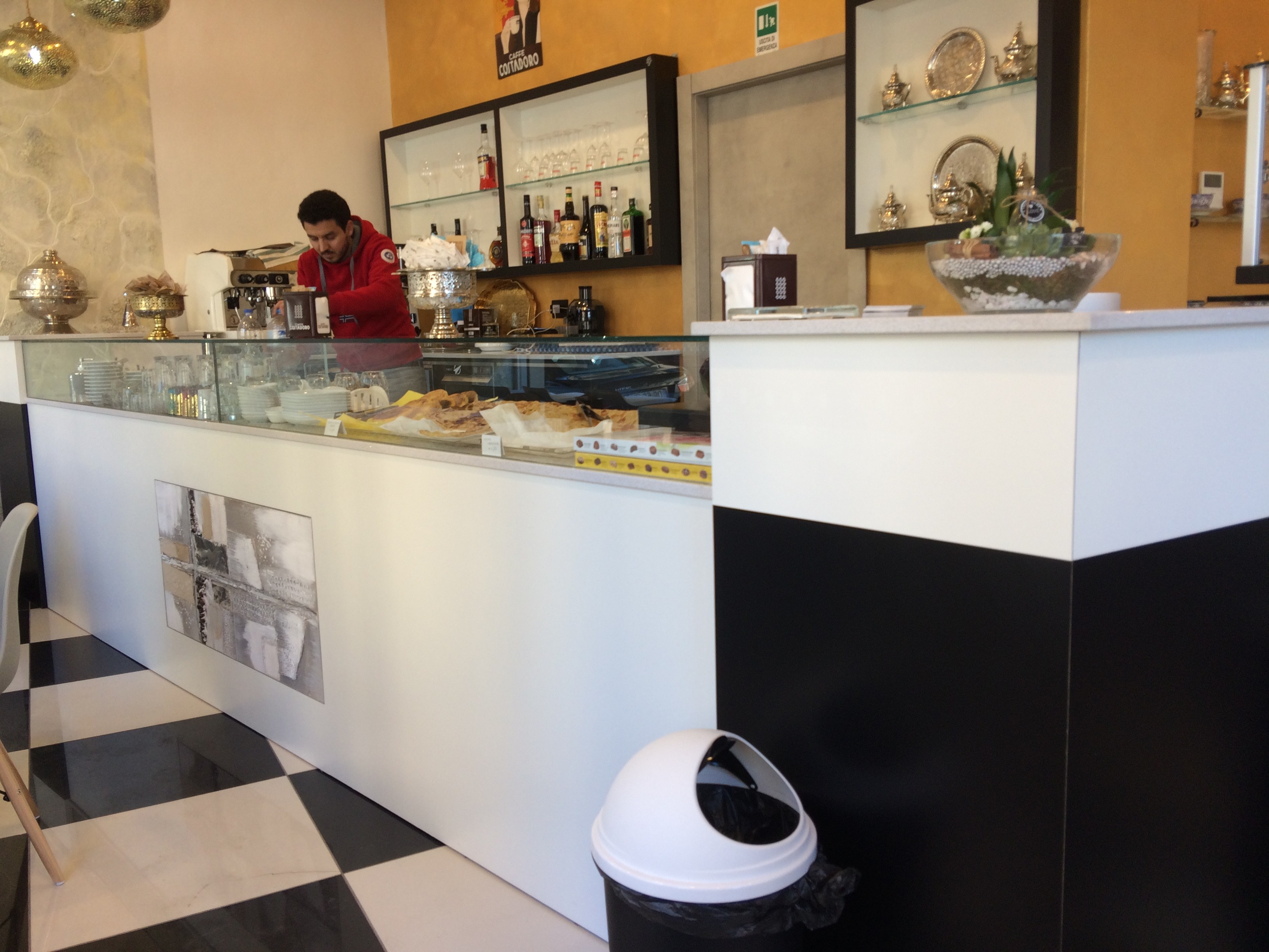 Nuovo Arredo Ascoli Piceno.Banchi Bar Prezzi Banconi Bar Grezzi Banchi Per Bar Banchi